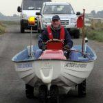 Джон Хилтон сделал из газонокосилки и старой лодки амфибию «Shortcutter»