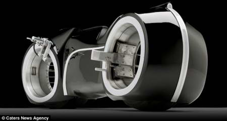 Супербайк Light Cycle