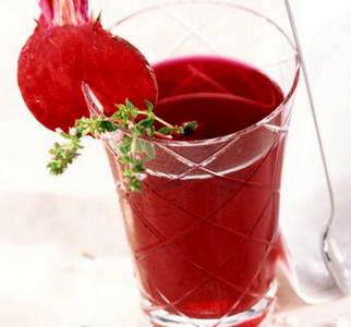 Эликсир молодости: Свекольный сок полезен для пожилых людей