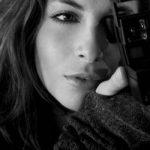 Перфоманс обнаженной французской женщины фотографа в Нью-Йорке