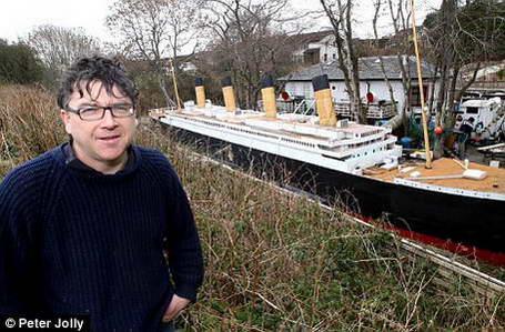 К 100-летию трагедии Титаника энтузиаст наконец-то построил 30-метровую модель корабля