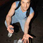 Житель Нью-Йорка за неделю собирает золота и бриллиантов на $500