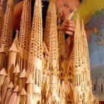 Художник Стэн Мунро из зубочисток создал точную копию храма в Барселоне