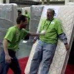 Установлен рекорд Книги Гиннеса по складыванию «человеческого» домино