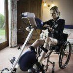 Парализованная Клэр Ломас после марафона хочет проехать на велосипеде от Парижа до Лондона