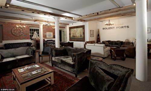 Гостиная отеля в форте Spitbank