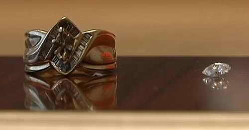 Обручальное кольцо и бриллиант из него