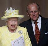 Королева Елизавета II  готовится отречься от престола и сделать принца Чарльза Королем