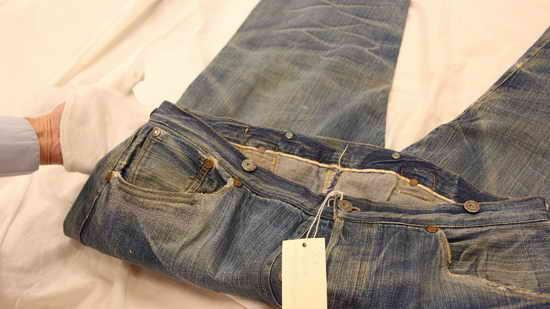 Самые старые джинсы Levis - 136 лет