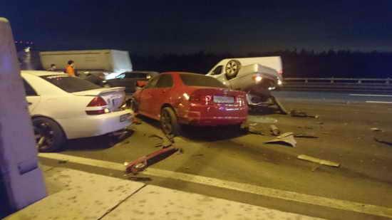 Автомобиль сбил людей