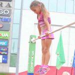 7-летняя Николь Князева установила мировой рекорд подъем переворотом на перекладине