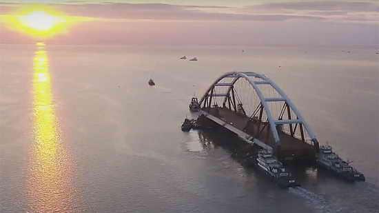 автомобильная арка крымского моста