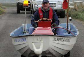 """Джон Хилтон сделал из газонокосилки и старой лодки амфибию """"Shortcutter"""""""