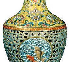 Мать и сын неожиданно заработали $85 млн продав древнюю китайскую вазу на аукционе