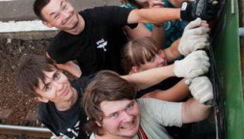 В Московском метро у молодежи новое шокирующее увлечение: серфинг на вагонах