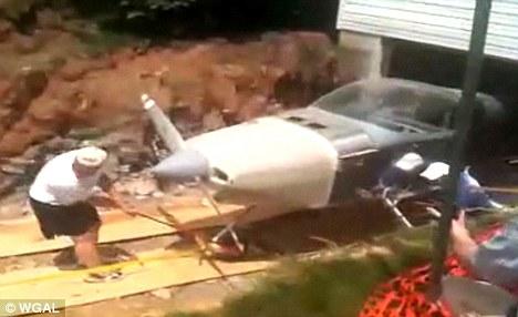 Самолет из подвала
