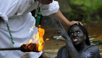 Церемония ритуала изгнания нечистой силы в Колумбии