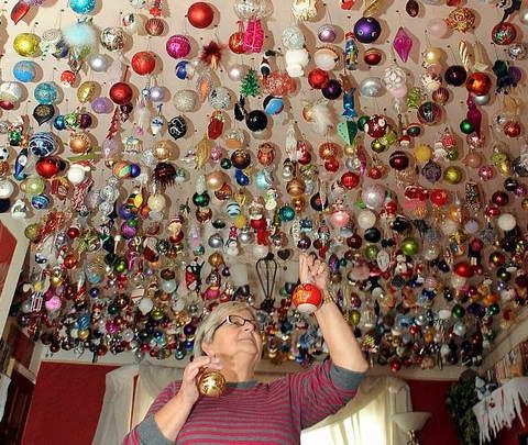 Сильвия и ее 1700 елочных игрушек