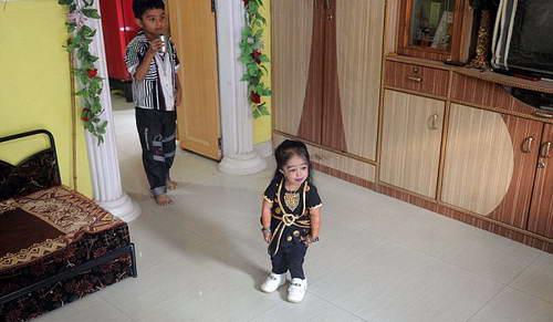 Самая маленькая женщина в мире Джиоти Амге