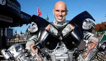 Питер Кокис сделал костюм трансформера Optimus Prime из домашних вещей