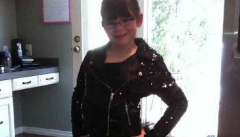 В Канаде лось затоптал 6-ти летнюю девочку около ее дома