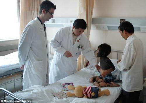 Лю Янгли (6 лет) врачи окажут помощь