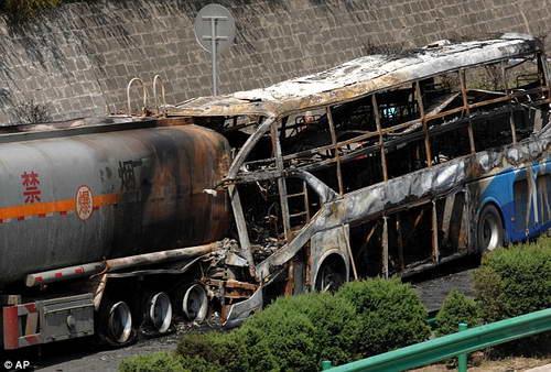В автобусе сгорело 36 китайцев