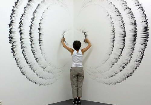 Джудит Энн Браун - картина пальцами и углем