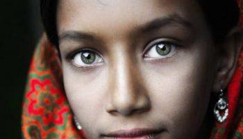Ритуальные татуировки, макияж белилами и другие фото со всего мира