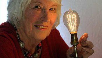 Невероятная надежность: лампа накаливания уже работает 130 лет