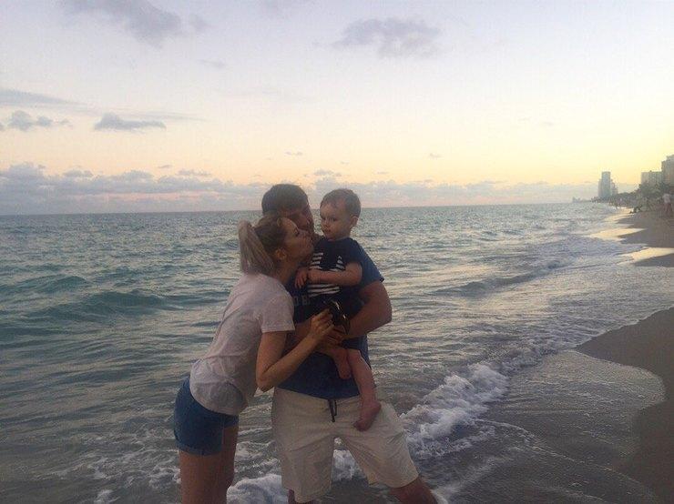 Ксения Мецгер вместе с семьей