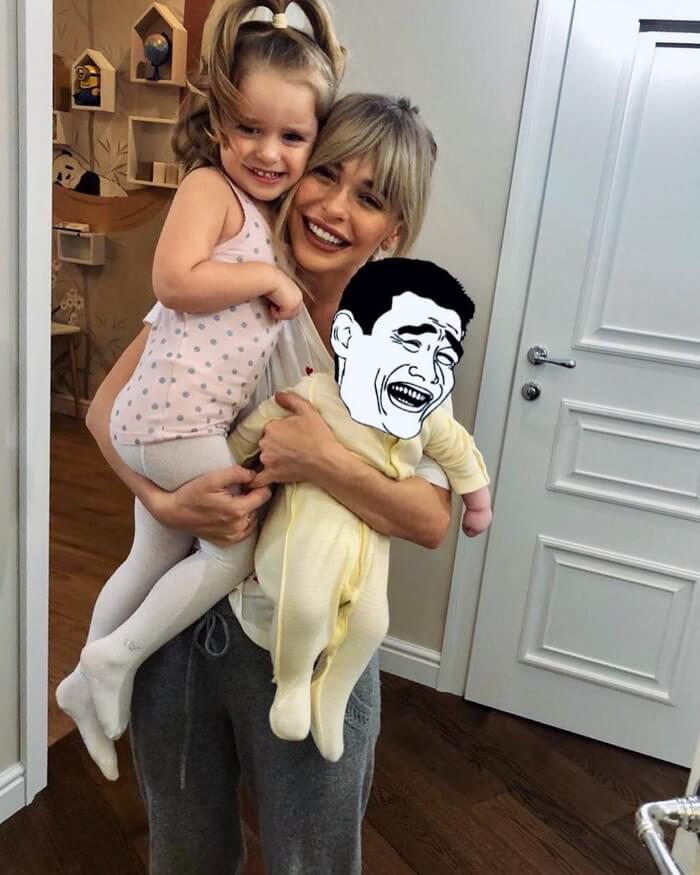 Анна Хилькевич с Арианной и Марией