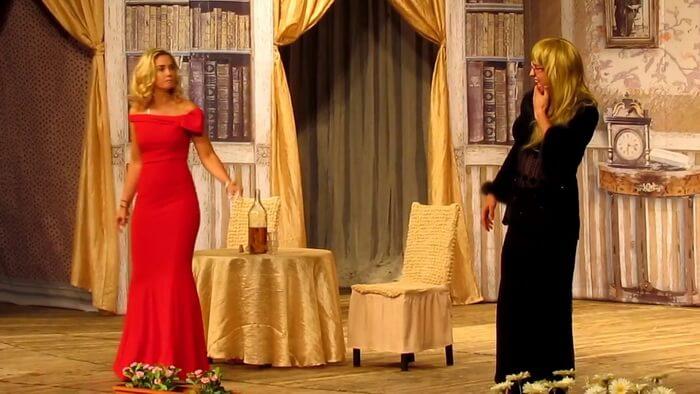 Прилучный и Муцениеце играют в театре