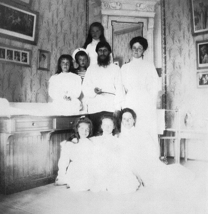Императрица Александра Федоровна с Распутиным