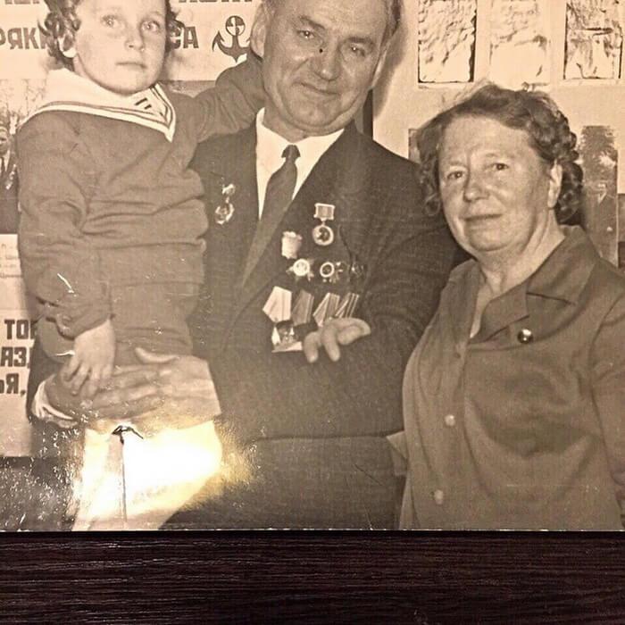 Дмитрий Нагиев с родителями