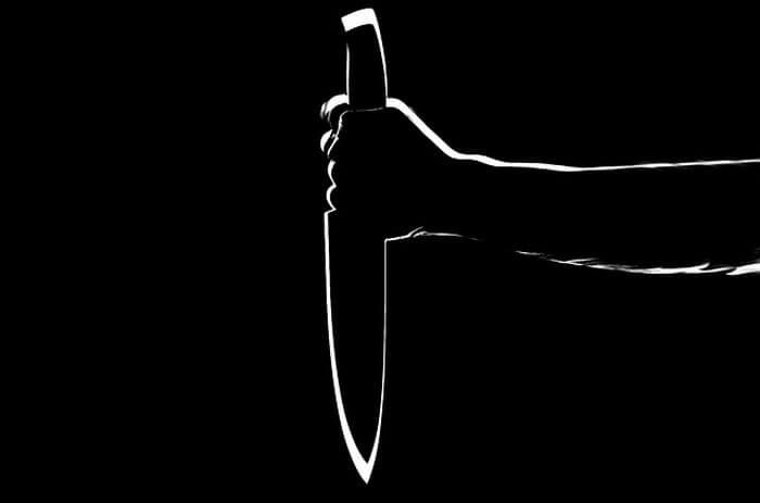 Удар ножом в заключенного