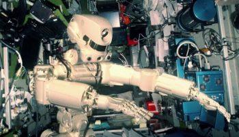 Робот Федор в космосе промахнулся мимо МКС. Видео первого российского робота-андроида