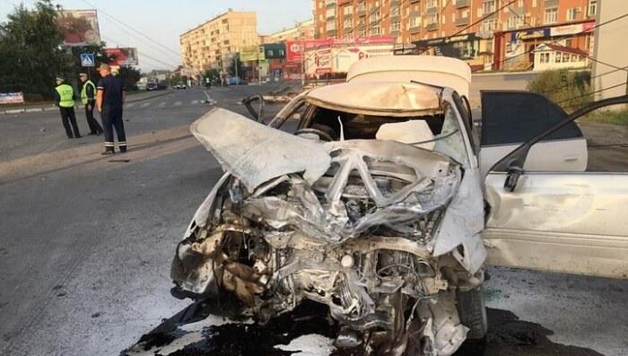 Пьяный водитель в Бийске врезался в девушку от удара ее разорвало пополам