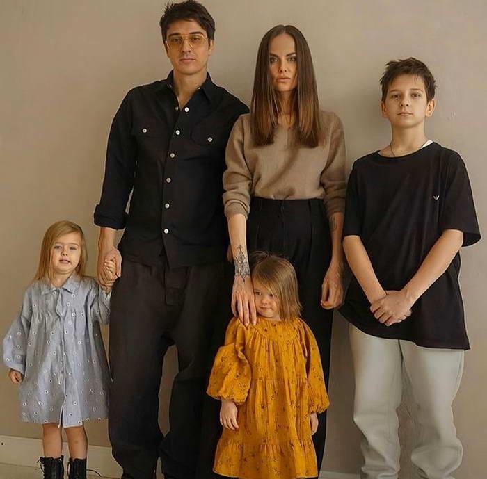 Станислав Бондаренко, Аурика Алехина, Марк (2009) и дочки