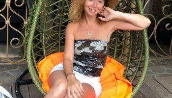 Киноактриса Лена Захарова считает, что набрала пару лишних килограмм