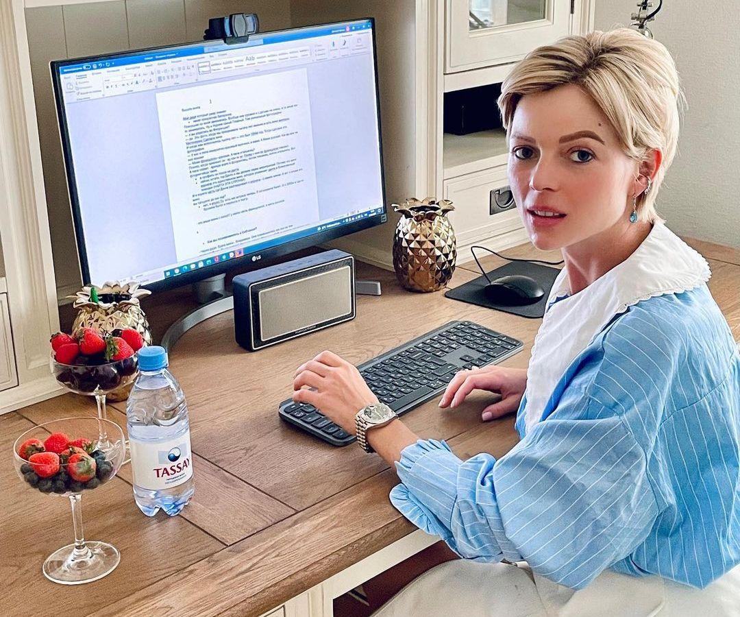 Жена Игоря Вдовина Елена Николаева